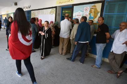 نتائج الدور الأول للرئاسية والتشريعية.. قراءة تحليلية للمشهد الانتخابي التونسي