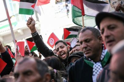 الديمقراطيّة والتطبيع في بلاد المغرب العربي