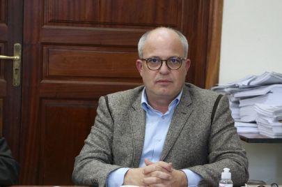 نبيل حجي: حكومة نجلاء بودن غير شرعية.. والمؤشرات لا تمنحنا بوادر تفاؤل