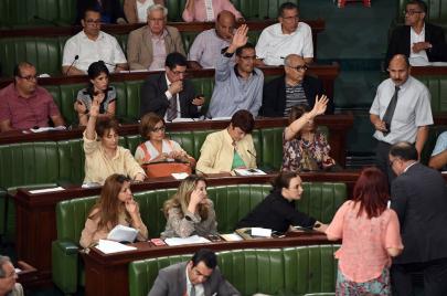بالأسماء وحسب الكتل: هذه تفاصيل التزكيات البرلمانية لـ11 مترشحًا للرئاسيات
