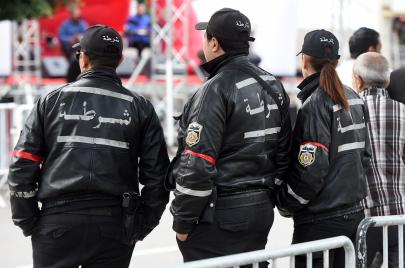 ابتزاز ورشوة وتهريب.. أمثلة عن فساد الأمنيين في تونس