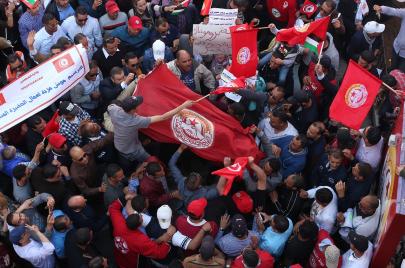 اتحاد الشغل: الزيادات في أجور الوظيفة العمومية لن تكون أقل من القطاع العام