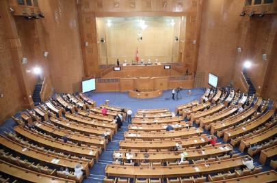 إرجاء النظر في تنقيح وإتمام القانون الأساسي للمحكمة الدستورية