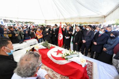 بحضور عدة شخصيات وسياسيين: مراسم جنازة البرلمانية محرزية العبيدي (صور وفيديو)