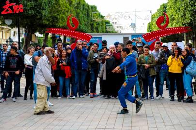 في شارع بورقيبة.. تحدي الإرهاب بالرقص