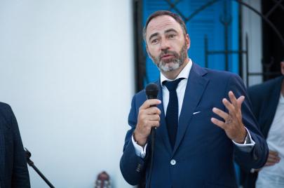 سفير الاتحاد الأوروبي: عائلات اقتصادية في تونس تمنع صعود المستثمرين الشبان