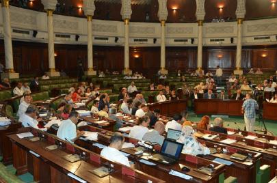 البرلمان يصادق على تنقيح القانون الانتخابي