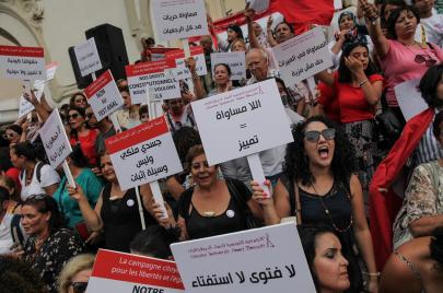 الحريات الفردية في تونس بين الشعبوية السياسية والحجر الشامل