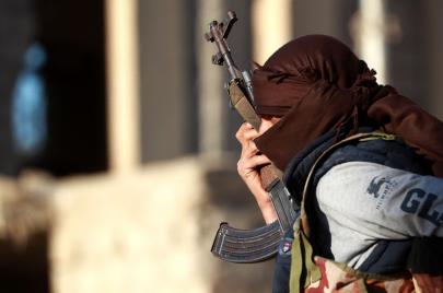 السفير الأمريكي السابق: تونس لا تملك خطة لمواجهة المقاتلين العائدين