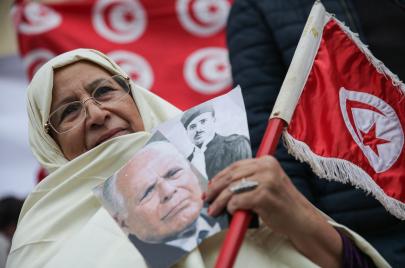 الحداثة في تونس: من يمتلكها؟ وما معنى أن تكون حداثيًا؟