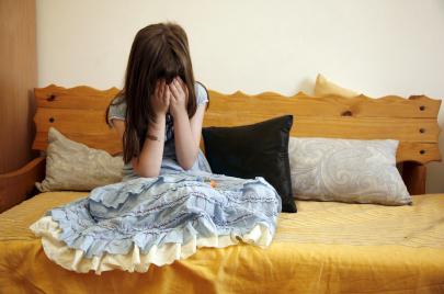 محكمة التعقيب تجيب: هل تلمّس ثدي فتاة تحرش جنسي أم اعتداء بالفاحشة؟