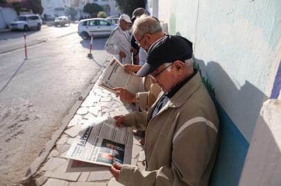 في عوائق استكمال البناء الديمقراطي في تونس
