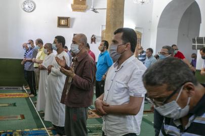 منع ارتياد دور العبادة: وزارة الشؤون الدينية توضّح