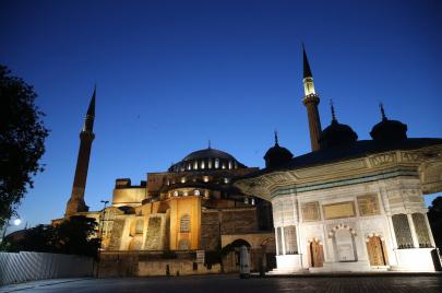 ما وراء الجدل حول آيا صوفيا.. رؤى تونسية متباينة حول تركيا