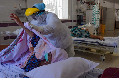 مصابو الأمراض المزمنة وجائحة كورونا: معاناة مضاعفة