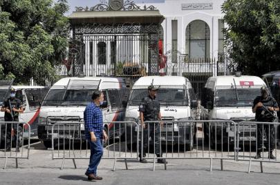 إثر قرارات سعيّد.. جرد لأهم مواقف المنظمات والجمعيات التونسية