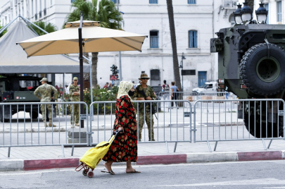 الخارجية الأمريكية تؤكد قلقها من استمرار الإجراءات الانتقالية في تونس دون أجل