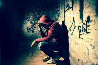 المس بالمقدّسات عند المراهق.. خلل تربوي أم هويّة بصدد التشكّل؟