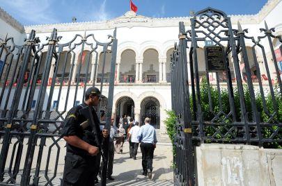 قضية الاعتداء على محامية: دعوة لمساءلة وزير الداخلية واعتصام في المحكمة
