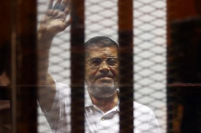 سياسيو تونس يتفاعلون مع وفاة محمد مرسي في جلسة محاكمته