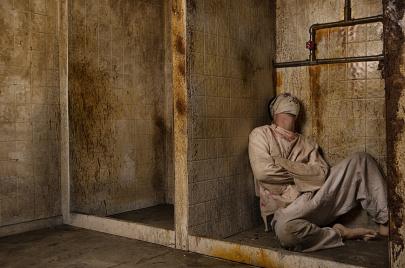 السجون التونسية زمن الاستبداد.. مسرح للانتهاكات المهينة للذات البشرية