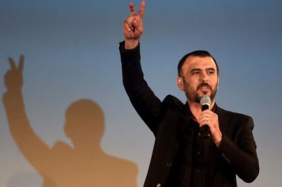 لطفي العبدلي.. فنّان المواقف الثوريّة والدعاية الانتخابيّة