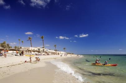جامعة النزل التونسية: نحن لا نميّز ضد السياح الجزائريين