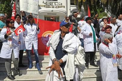 287 إصابة بكورونا في المؤسسات الصحية: جامعة الصحة تتهم الوزارة باللامبالاة